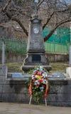 Wianek kwiaty przy cenotaph zdjęcia stock