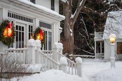 wianki wiesza outside dom dla wakacji zdjęcie royalty free