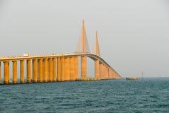 Światła słonecznego Skyway most - Zatoka Tampa, Floryda Fotografia Royalty Free