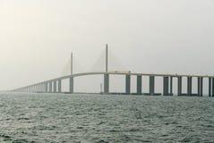 Światła słonecznego Skyway most - Zatoka Tampa, Floryda Zdjęcia Royalty Free