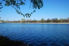 wiatr ranka jeziora. Zdjęcie Stock