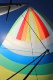 Wiatr wypełniał kolorowego spinnaker żagiel Fotografia Stock