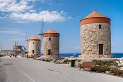 Wiatraczka Papagiorg whit Vati w Rhodes schronieniu fotografia royalty free