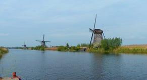 Wiatraczki i nawadniają Kinderdijk Zdjęcie Royalty Free