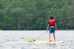 Wiatrowa surfing chłopiec obrazy royalty free