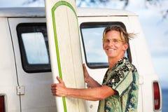 Wiatrowy dmuchanie Na surfingowu Zdjęcie Stock