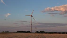 Wiatrowy generator produkuje elektrycznego prąd zbiory wideo