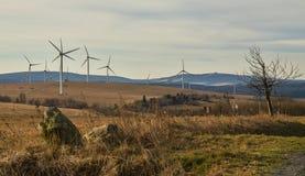 Wiatrowy park w Rudnych górach w jesieni Zdjęcie Stock