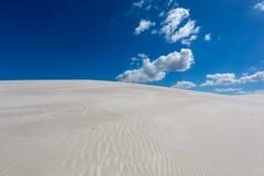 Wiatry zamiatający wzory w piasku Obrazy Royalty Free