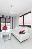 Wibrująca chałupa - przestronny żywy pokój fotografia royalty free