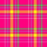 Wibrującej gorących menchii żółtej zieleni koloru czeka tartanu szkockiej kraty błękitnej diamentowej tkaniny tekstury bezszwowy  Obrazy Stock