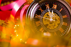 więcej toreb, Świąt oszronieją Klaus Santa niebo tło z zegarem i dekoracjami Makro- Zdjęcie Stock