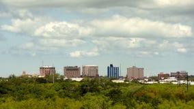 Wichita valt Texas Modest Downtown City Skyline stock videobeelden