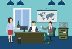 Wichtige Diskussion über den Chef im Büro Stockbild