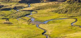 Wickeln, Pfad-Nebenfluss wandernd Stockfoto