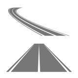 Wickelnde gebogene Straße oder Landstraße mit Markierungen Stockfoto