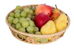 wicker персиков померанцев кивиа виноградин плодоовощей смычка корзины bascket яблок красный связанный Стоковое Изображение