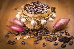 Wicker basket with brown beans Royalty Free Stock Images