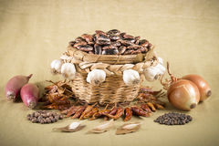 Wicker basket with brown beans Royalty Free Stock Photography