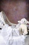 wicker bassinet младенца antique Стоковые Изображения RF