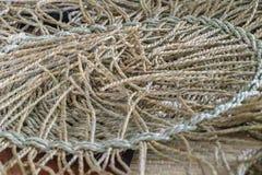 Wickerwork σύσταση τεχνών που γίνεται από το ξηρό sedge υπόβαθρο Κλείστε επάν στοκ εικόνες