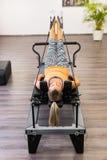 Ćwiczy pilates Zdjęcia Stock
