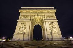 Wide Arc de Triomphe τη νύχτα Στοκ Εικόνες