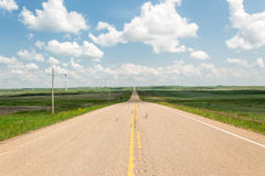 Wide open highway stretching to infinity Royalty Free Stock Photos