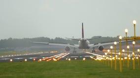 Widebody посадка самолета акции видеоматериалы