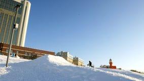 Wideo śnieżni narciarscy skłony, dźwignięcie linie i dolina park w Wasatch, Słoneczny dzień z rodzinami na nartach i snowboards zbiory