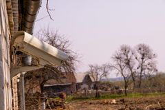 Wideo inwigilaci kamera w podwórku dom na wsi zdjęcie stock