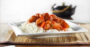 Wideshot doux et aigre de nourriture chinoise - de poulet photographie stock