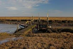 Widok łódź rybacka na Thornham bagnie, Północny Norfolk obrazy royalty free