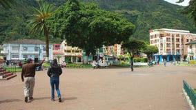 Widok śródmieście miasto Banos Banos lokalizuje na północnych pogórzach Tungurahua wulkan Fotografia Royalty Free