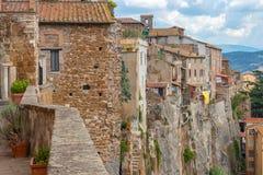 Widok średniowieczny miasto Orte W Umbria budował na tuff skałach obrazy stock