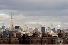Widok środek miasta Manhattan od przejścia na moscie brooklyńskim Obraz Stock