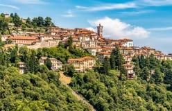 Widok Święta góra Varese jest symbolem miasto Varese Obraz Royalty Free