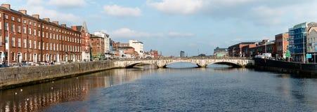 Widok świętego Patrick ` s most i swój otoczenia w korku, Irlandia Zdjęcie Stock