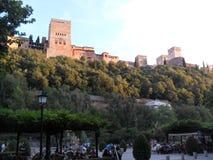 Widok Alhambra od Carrera del Darro w Granada Zdjęcie Royalty Free