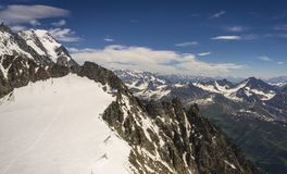 Widok Alp od terenu Punta Helbronner szczyt fotografia stock