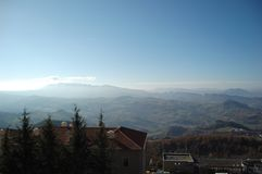 Widok Alps od góry San Marino fotografia stock