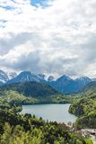 Widok Alpsee jezioro blisko Neuschwanstein kasztelu w Bavaria obraz stock