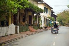 widok łatwy relaksuje Luang Prabang ulicy, Laos Obraz Royalty Free
