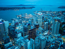 Widok Auckland, Nowa Zelandia od niebo pokładu nieba wierza Zdjęcia Stock