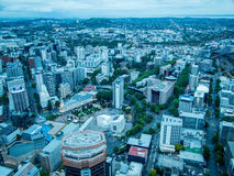 Widok Auckland, Nowa Zelandia od niebo pokładu nieba wierza Fotografia Stock