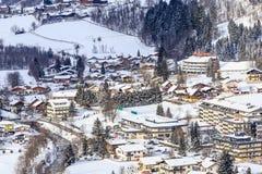 Widok austriacki zdroju i ośrodka narciarskiego Bad Gastein Obrazy Stock