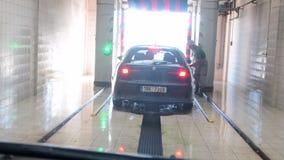 Widok automatyczny samochodowy obmycie Inside widok od samochodu zbiory