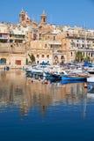 Widok Birgu półwysep nad Dockyard zatoczką (Vittoriosa) Obraz Stock