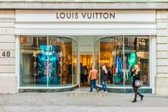 Widok bogaci więzi ulica w London fotografia royalty free