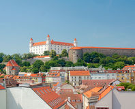 Widok Bratislava kasztel i stary miasteczko Zdjęcia Stock